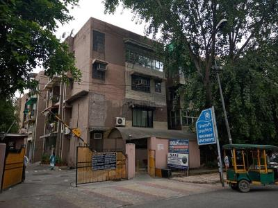 Gallery Cover Image of 900 Sq.ft 2 BHK Apartment for buy in Panchwati Apartment, Vikaspuri for 8100000