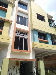 Gallery Cover Image of 700 Sq.ft 2 BHK Apartment for rent in M B TOWER, Garia for 8000