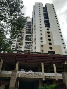 Gallery Cover Image of 1000 Sq.ft 2 BHK Apartment for rent in Landmark Towers, Dadar East for 80000