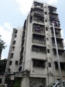 Gallery Cover Image of 575 Sq.ft 1 BHK Apartment for buy in New Ashapura Heritage, Kandivali West for 8500000