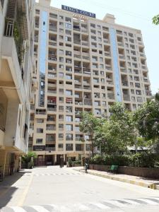 Gallery Cover Image of 1450 Sq.ft 3 BHK Apartment for buy in Vajinath The Residences, Kalyan West for 11000000