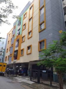 Gallery Cover Image of 900 Sq.ft 2 BHK Apartment for rent in Arundhati Apartments, Gottigere for 10000