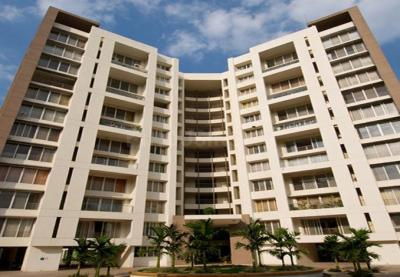 Gallery Cover Image of 3700 Sq.ft 5 BHK Apartment for buy in Clover Belvedere, Ghorpadi for 34000000