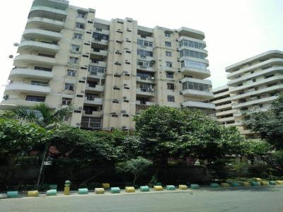 Gallery Cover Image of 1075 Sq.ft 2 BHK Apartment for rent in Express Garden, Vaibhav Khand for 13500