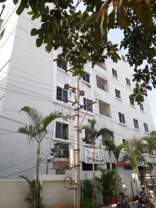 Schools & Universities Image of 2062 Sq.ft 3 BHK Apartment for buy in Saroornagar for 9794500