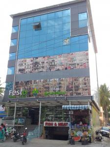 Groceries/Supermarkets Image of 1545.0 - 2640.0 Sq.ft 3 BHK Apartment for buy in Green City Eutopia