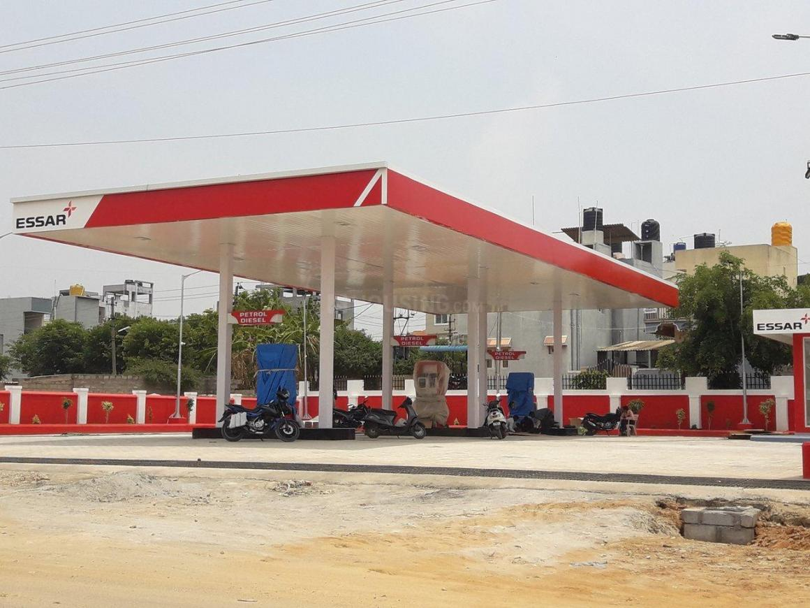 Petrol Pumps Image of 1500 Sq.ft 3 BHK Independent House for buy in Lal Bahadur Shastri Nagar for 9000000