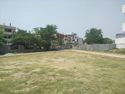 Parks Image of 0 - 900.0 Sq.ft 2 BHK Apartment for buy in Surendra Royal Homes