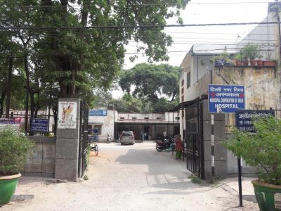 Hospitals & Clinics Image of 900 Sq.ft 2 BHK Independent Floor for rentin Lajpat Nagar for 40000
