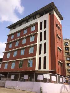 Schools &Universities Image of 805.0 - 1515.0 Sq.ft 2 BHK Apartment for buy in Rishabh Yashodham Veehar