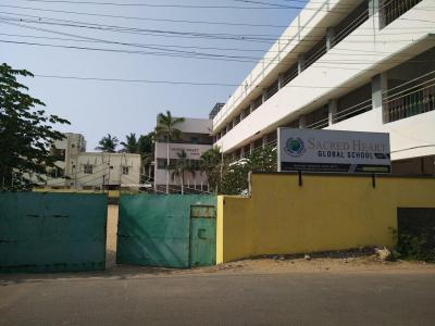 Schools &Universities Image of 1000.0 - 1100.0 Sq.ft 2 BHK Apartment for buy in Double T Pranavam
