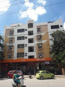 Groceries/Supermarkets Image of 0 - 2200 Sq.ft 3 BHK Apartment for buy in Anusha Residency