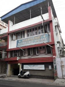 Hospitals & Clinics Image of 1600 Sq.ft 3 BHK Apartment for rentin Tollygunge for 42000
