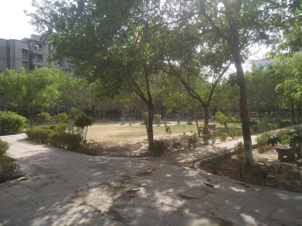 Parks Image of 1161.0 - 2000.0 Sq.ft 3 BHK Apartment for buy in CGHS HMM Employees Apartments