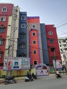 Schools & Universities Image of 1122 Sq.ft 2 BHK Apartment for rent in Jagadgiri Gutta for 16000