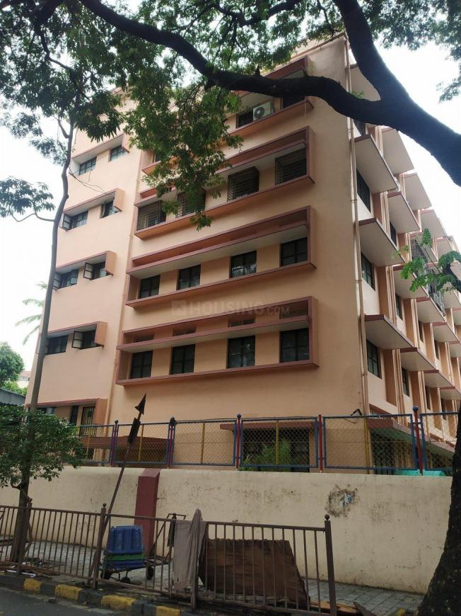 Schools & Universities Image of 924 Sq.ft 2 BHK Apartment for buy in Dadar East for 22400000