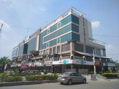 Shopping Malls Image of 1850 Sq.ft 3 BHK Apartment for rent in Sector 12 Dwarka for 34000