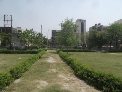 Parks Image of 0 - 1205.0 Sq.ft 3 BHK Independent Floor for buy in Goel Apartment C - 264