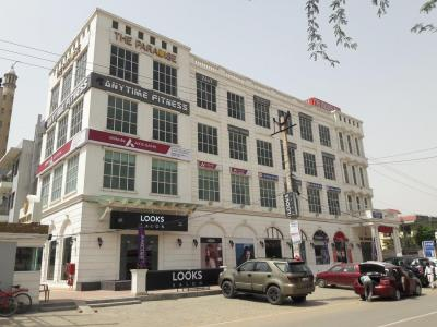 Shopping Malls Image of 0 - 1650.0 Sq.ft 3 BHK Apartment for buy in Surendra Lebernum Floor