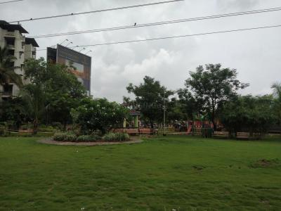 Parks Image of 810 Sq.ft 2 BHK Apartment for rent in Mulund East for 30000