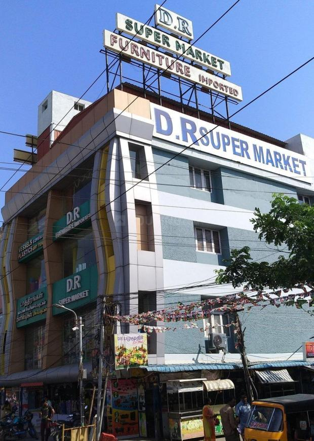 Groceries/Supermarkets Image of 950.0 - 1260.0 Sq.ft 2 BHK Apartment for buy in Grid Advaita