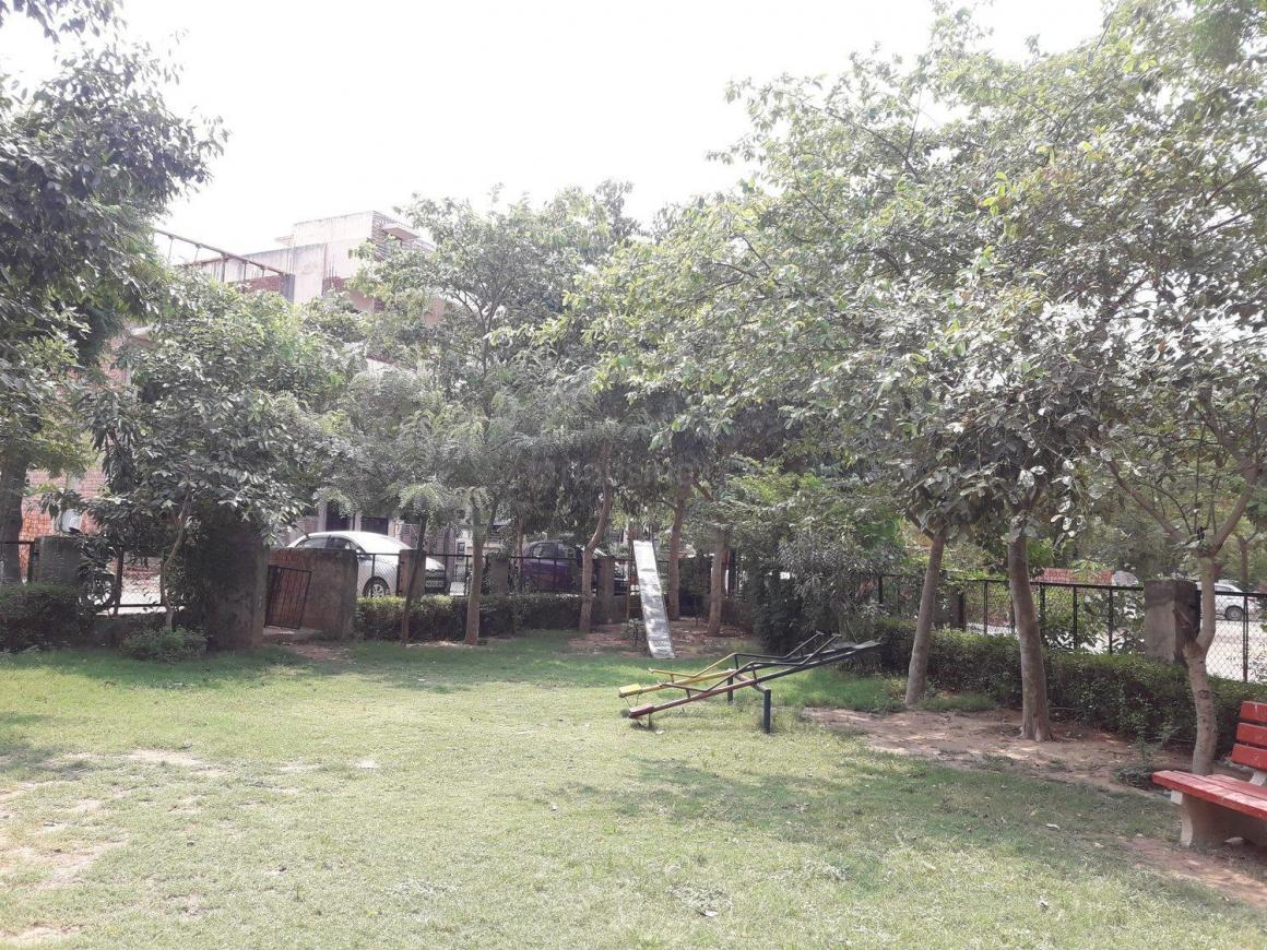 Parks Image of 0 - 2493.0 Sq.ft 3 BHK Independent Floor for buy in 1784 Sec 45