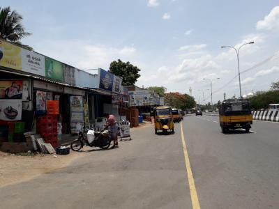 Groceries/Supermarkets Image of 2992.0 - 2999.0 Sq.ft 4 BHK Apartment for buy in Real August Park