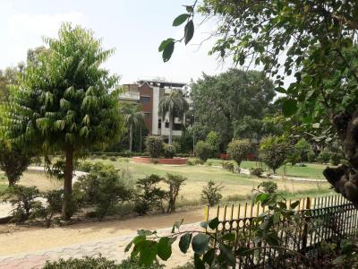 Parks Image of 2900 Sq.ft 3 BHK Independent Floor for rent in Defence Colony for 200000