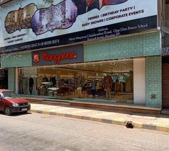 Shops Image of 750 Sq.ft 2 BHK Apartment for rent in Borivali West for 28000
