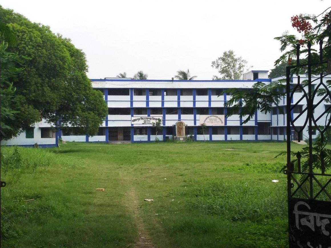 Schools & Universities Image of 480 Sq.ft 1 RK Independent Floor for buy in Garia for 1200000