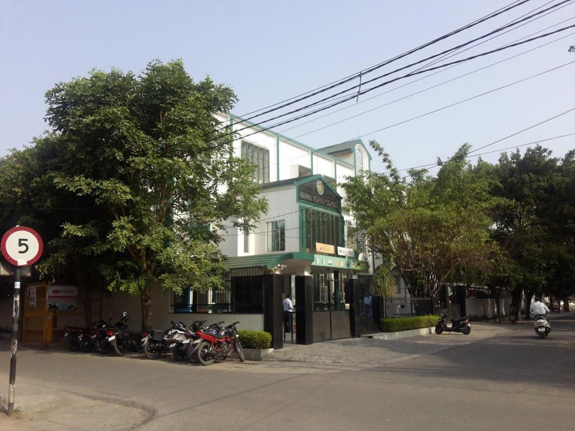 Schools & Universities Image of 1076 Sq.ft 3 BHK Apartment for buy in Shastri Nagar for 2700000