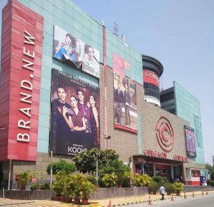 Shopping Malls Image of 1960.0 - 3250.0 Sq.ft 4 BHK Apartment for buy in Unitech Heritage City