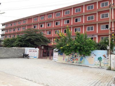 आसपिरे मीडोज में खरीदने के लिए 1110.0 - 1405.0 Sq.ft 2 BHK अपार्टमेंट स्कूलों और विश्वविद्यालयों   की तस्वीर