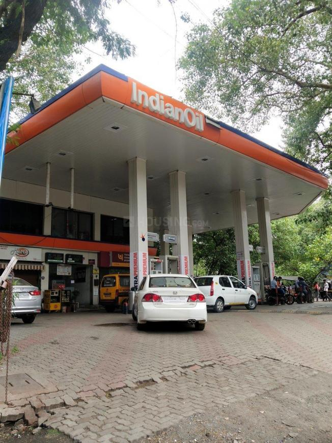 Petrol Pumps Image of 1200 Sq.ft 2 BHK Independent House for buy in Vikhroli West for 4000000