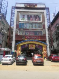 Shopping Malls Image of 1090.0 - 1545.0 Sq.ft 2 BHK Apartment for buy in H And M Sai Estates