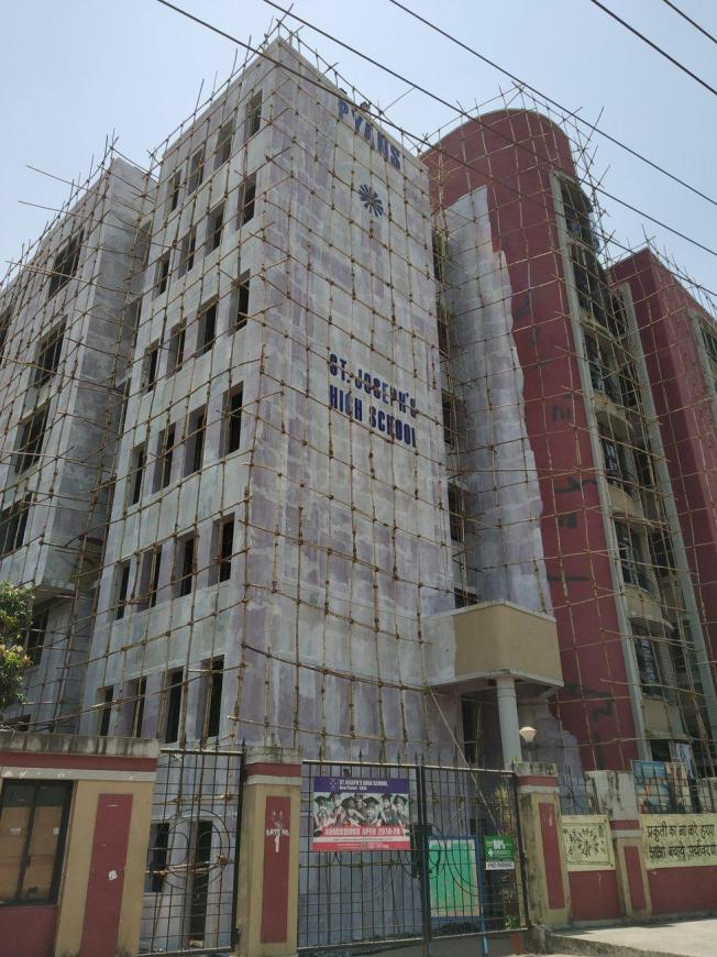 Schools &Universities Image of 0 - 500 Sq.ft 1 BHK Apartment for buy in Reputed Eklavya CHS