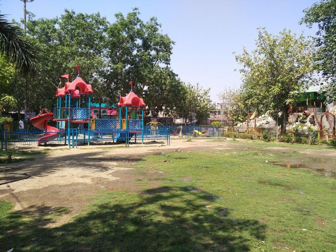 Parks Image of 400 - 900 Sq.ft 1 BHK Builder Floor for buy in Saksham Homes