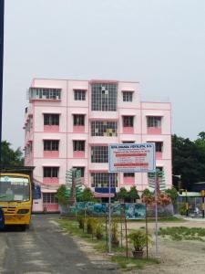 स्कूलों / विश्वविद्यालयों