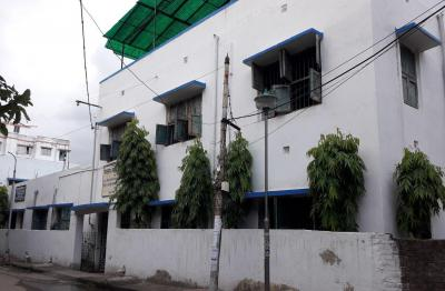 Schools &Universities Image of 0 - 400.0 Sq.ft 1 BHK Apartment for buy in GM Mayur Apartment