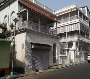 Schools & Universities Image of 1550 Sq.ft 3 BHK Apartment for rent in Kalighat for 50000