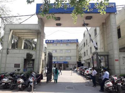 इंडो रंग होम्स पंजाबी बाग में खरीदने के लिए 2713.24 - 4463.89 Sq.ft 4 BHK अपार्टमेंट अस्पतालों और क्लिनिक  की तस्वीर