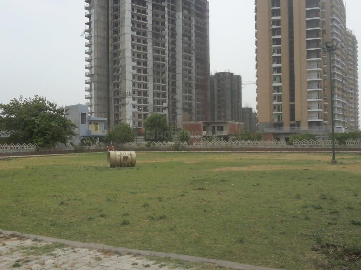 Parks Image of 330 Sq.ft 1 BHK Apartment for buy in Omicron III Greater Noida for 1350000