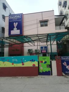 Schools & Universities Image of 270 Sq.ft 1 RK Apartment for rent in Madhapur for 16000