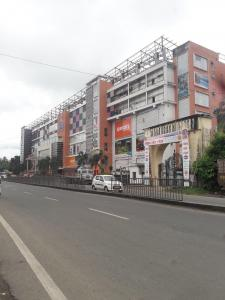 Shopping Malls Image of 1000 Sq.ft 2 BHK Apartment for rent in Goldwin Ganpati Umang, Hridaypur for 10000