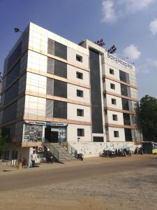 Hospitals & Clinics Image of 978.33 - 2478.93 Sq.ft 2 BHK Apartment for buy in Sri Sai N B Elegance