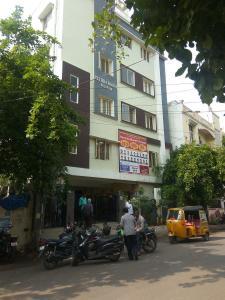 Schools &Universities Image of 0 - 920 Sq.ft 2 BHK Apartment for buy in SV Vaishnavi Lotus
