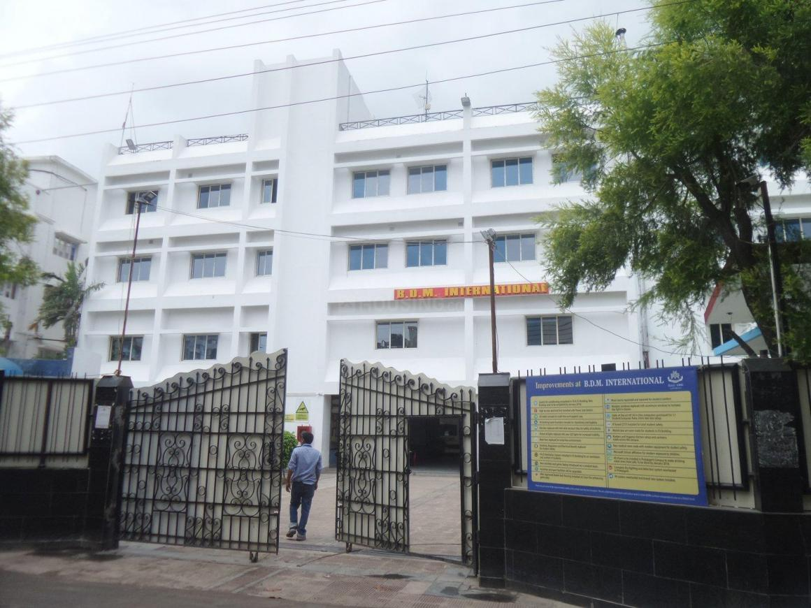 Schools & Universities Image of 4000 Sq.ft 9 BHK Independent House for buy in Garia for 9500000