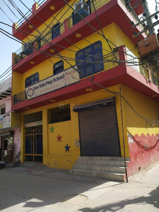 Schools & Universities Image of 1800 Sq.ft 3 BHK Independent House for buy in Sector 105 for 5000000