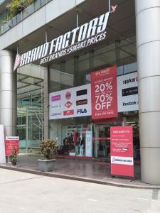 महिंद्रा ऐल्कोव विंग बी में खरीदने के लिए 757.0 - 1024.0 Sq.ft 2 BHK अपार्टमेंट शॉपिंग मॉल  की तस्वीर