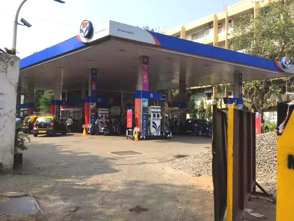 Petrol Pumps Image of 800 Sq.ft 2 BHK Independent House for buy in Lower Parel for 25000000
